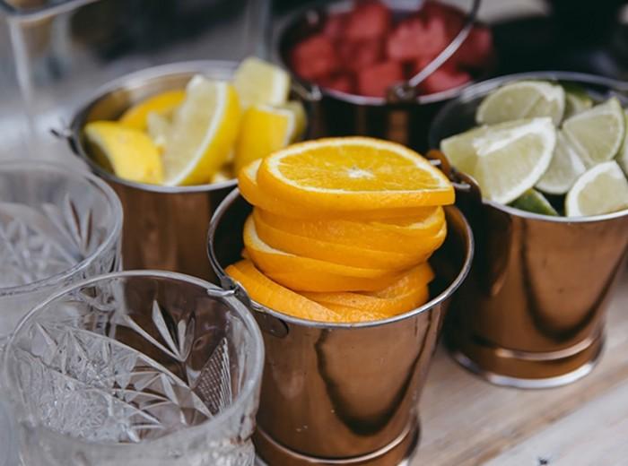 Tuinfeest - gin Tonic Garnituren bar aan huis mocktail cocktail - Homemade Catering Lisse